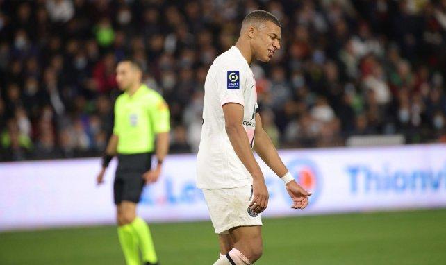 Metz - PSG : Kylian Mbappé, une soirée sans et deux polémiques