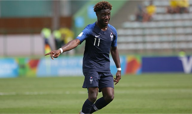 Nathanaël Mbuku sous le maillot des équipes de France jeunes