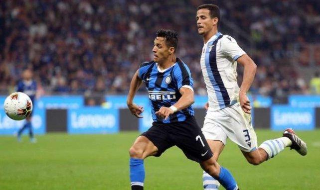 Alexis Sanchez avec le maillot de l'Inter pendant le match contre la Lazio