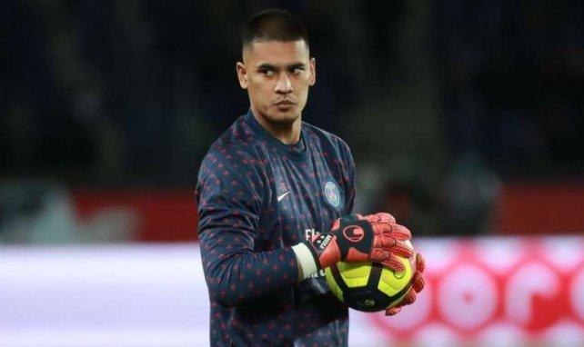 Alphonse Areola à l'échauffement avec le Paris Saint-Germain
