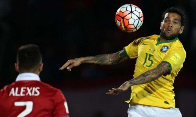 Alves verrait bien Sanchez le rejoindre au PSG