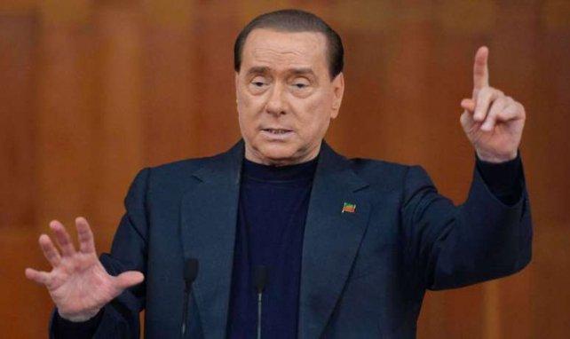 Berlusconi va vendre mais rester à la tête du Milan