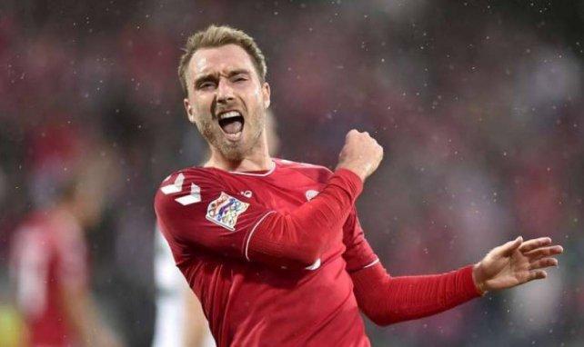 Christian Eriksen célèbre l'un de ses buts lors de Danemark - Pays de Galles