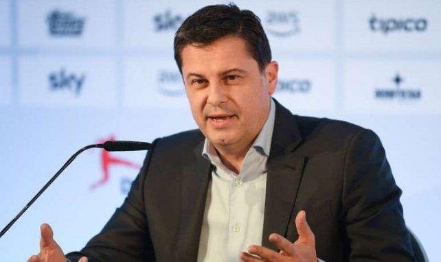 Christian Seifert, directeur général de la DFL, en pleine conférence de presse le 16 mars dernier