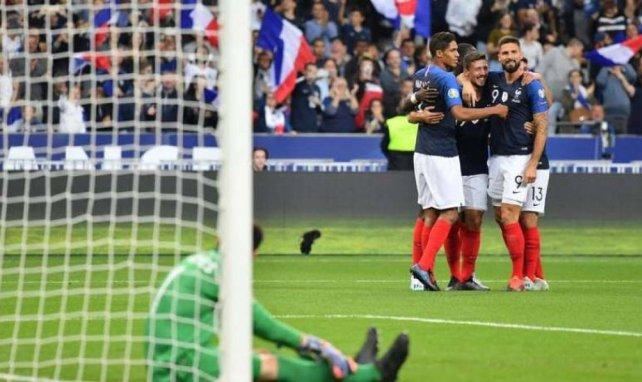 Clément Lenglet fête le deuxième but de l'équipe de France marqué par ses soins