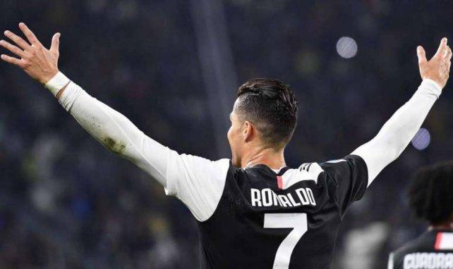 Cristiano Ronaldo célébrant un but inscrit face à Bologne