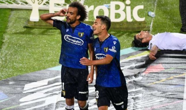 Fabio Martins, ici à gauche, célèbre un but sous le maillot de Famalicão contre Guimarães