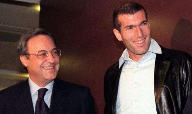 Florentino Pérez avec sa recrue star Zinedine Zidane en 2001