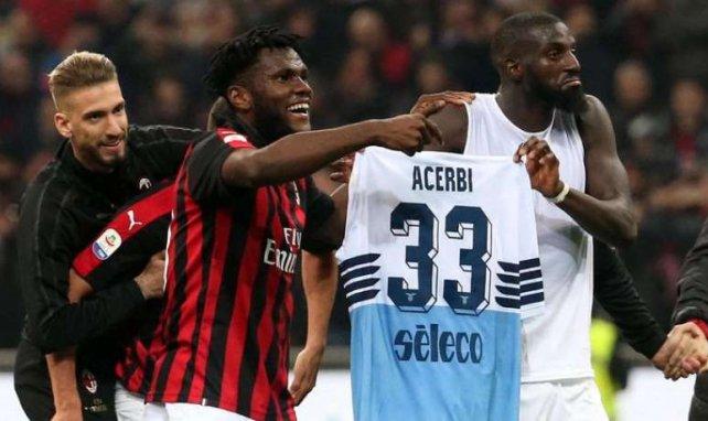 Franck Kessié et Tiémoué Bakayoko ensemble sous le maillot de l'AC Milan après un match face à la Lazio