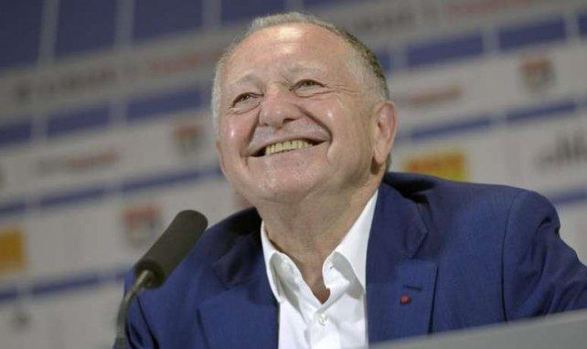 Jean-Michel Aulas, ici tout sourire, ne laisse jamais l'OL sans défense