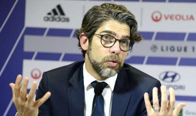 Juninho lors d'une conférence de presse de l'Olympique Lyonnais