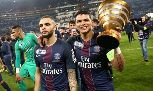 Layvin Kurzawa et Thiago Silva lors de la finale de la Coupe de la Ligue en 2017
