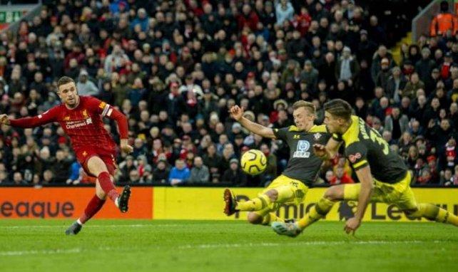 Le capitaine des Reds Jordan Henderson a marqué avant de délivrer une passe décisive