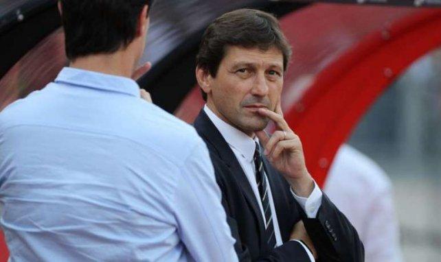Leonardo, le regard dans le vide, va proposer un deal à Neymar