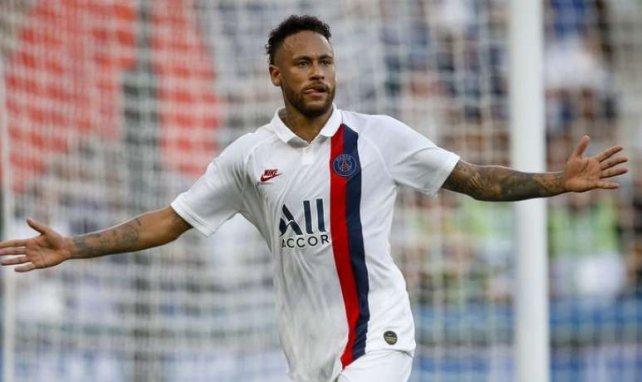 Leonardo règle le cas Neymar, qui célèbre ici son but face à Strasbourg