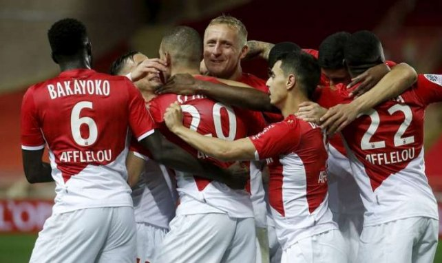 Les joueurs de Monaco célébrant un but