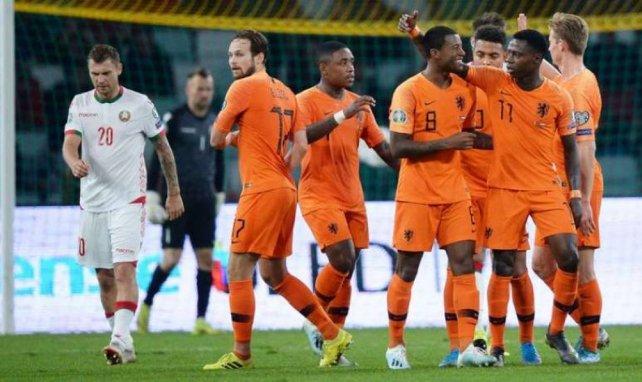 Les Pays-Bas font un grand pas vers la qualification en dominant la Biélorussie