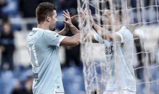 Milinkovic-Savic et Marusic célèbrent un but inscrit face au Chievo