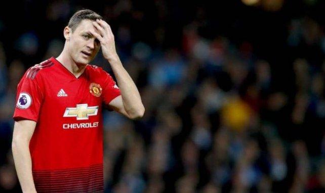 Nemanja Matic, ici en pleine déroute face à Manchester City, pose problème à José Mourinho