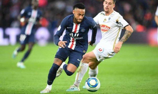 Neymar lors du match face à Angers au Parc des Princes