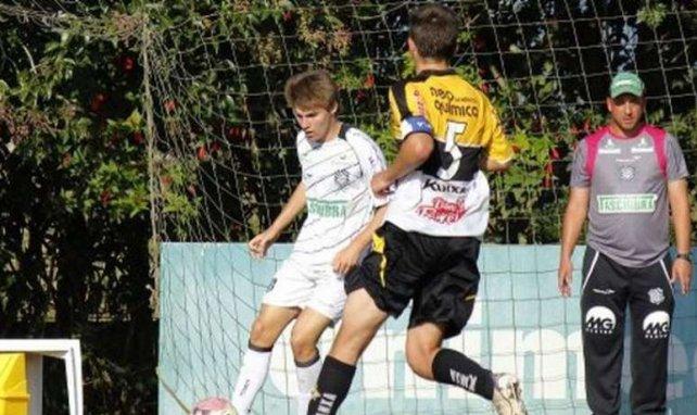 Sergio Alan, à gauche, brille sur la Dream Football