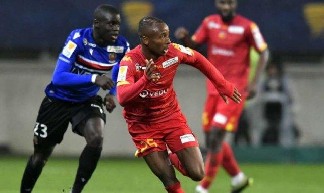 Stéphane Diarra, ici avec Le Mans face à l'OGC Nice en Coupe de la Ligue, plaît beaucoup à l'OM et Lille