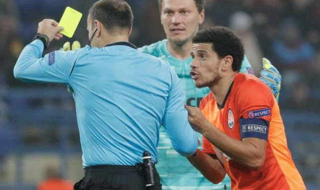 Taison averti lors du match de Ligue des Champions face au Dinamo Zagreb