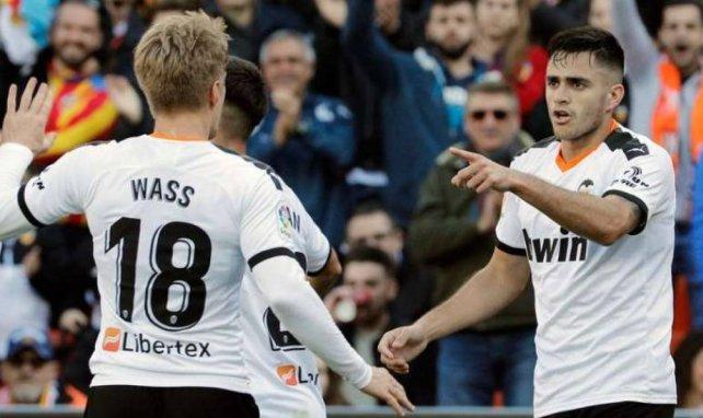 Wass et Maxi Gomez célèbrent un but