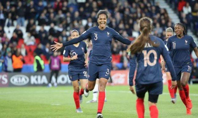 Wendie Renard et l'équipe de France triomphent face à la Corée du Sud