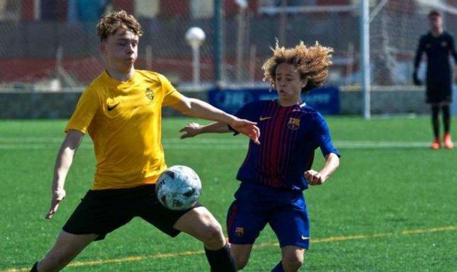 Xavi Simons sous les couleurs du Barça lors du Mecup, un tournoi de jeunes à Minorque, aux Baléares