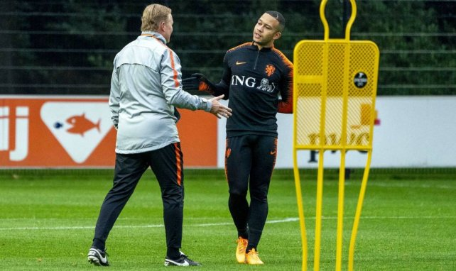 Ronald Koeman et Memphis Depay lors d'un entraînement des Pays-Bas en 2019