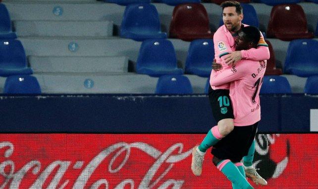 Lionel Messi célèbre un but du Barça avec Ousmane Dembélé