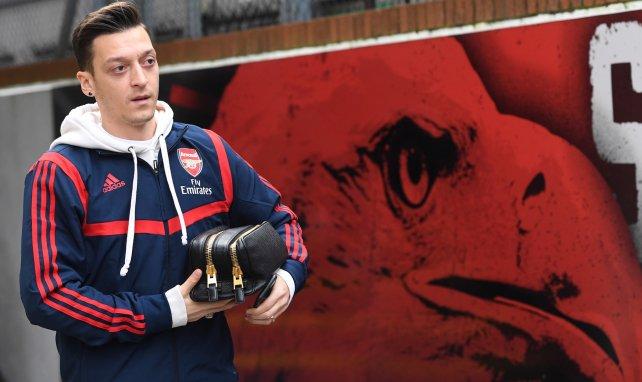 PL : Arsenal écarte Mesut Özil