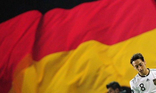 Allemagne : Mesut Özil ferme définitivement la porte à la sélection
