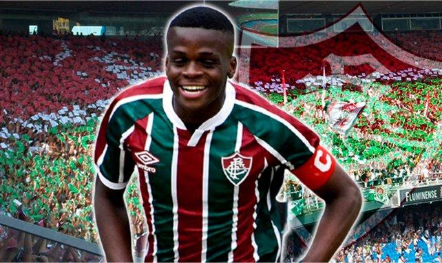 Metinho sous le maillot de Fluminense
