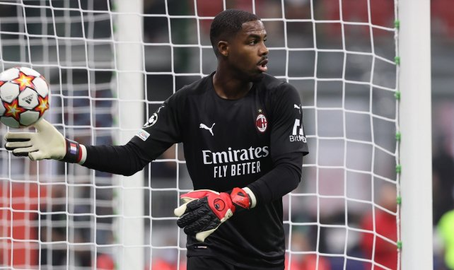 AC Milan : Mike Maignan absent dix semaines