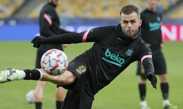 FC Barcelone : Miralem Pjanic sur le départ