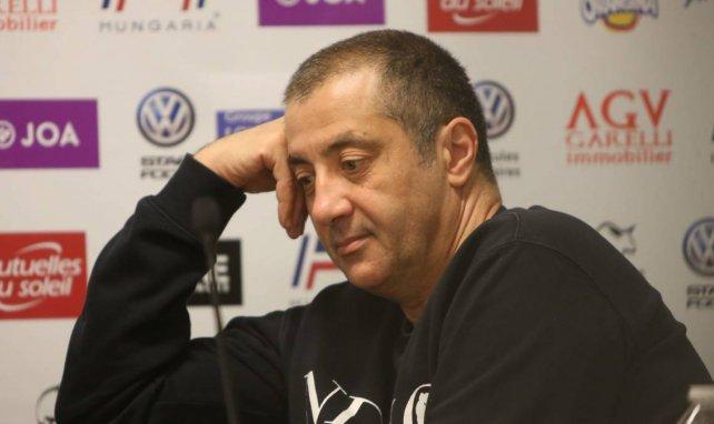 Mourad Boudjellal lors d'une conférence de presse à Toulon
