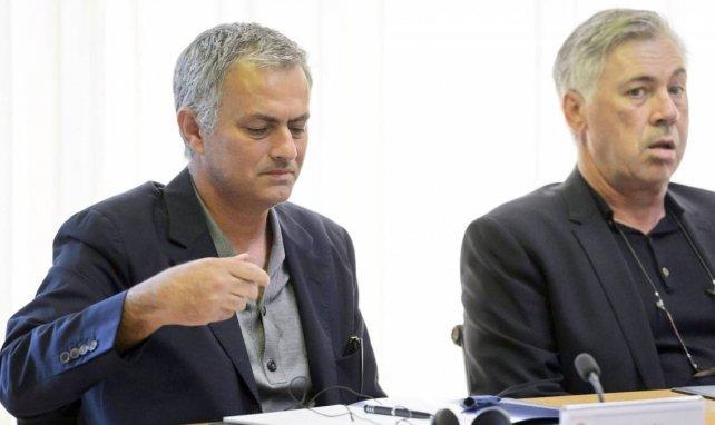 José Mourinho et Carlo Ancelotti ici lors d'une rencontre organisée par l'UEFA