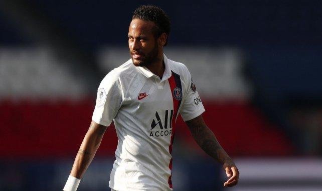 Neymar contre Waasland-Beveren