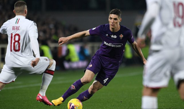 Manchester United fonce sur Nikola Milenkovic