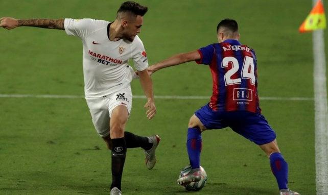 Lucas Ocampos sous le maillot du Séville FC