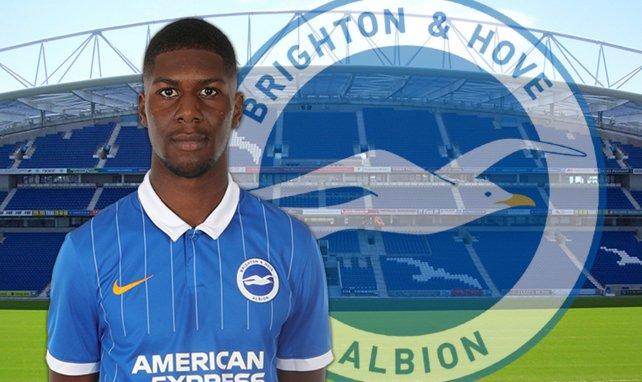 Odell Offiah évolue à Brighton & Hove Albion