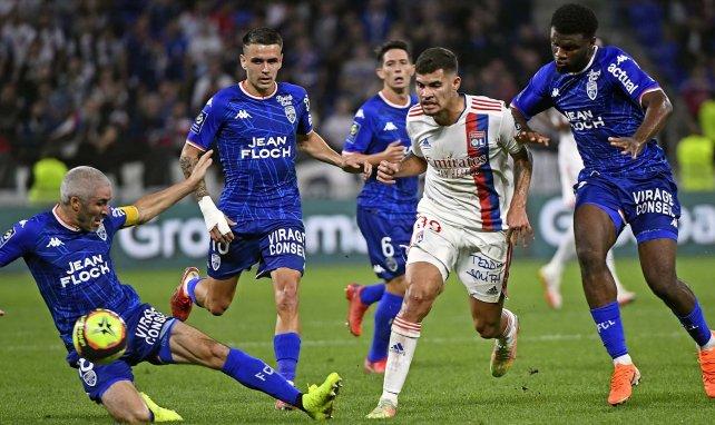 LIVE : réduit à dix, l'OL recolle au score contre Lorient