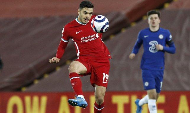 Ozan Kabak avec le maillot de Liverpool face à Chelsea