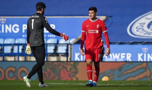 Ozan Kabak et Alisson Becker contre Leicester