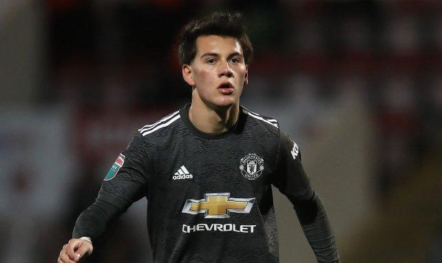 Manchester United prête encore Facundo Pellistri