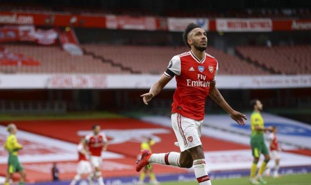 Aubameyang célèbre un but avec Arsenal