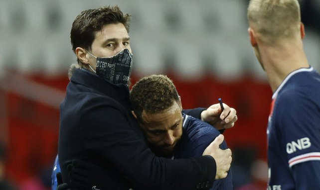 Pochettino enlace Neymar lors du Bayern-PSG la saison dernière