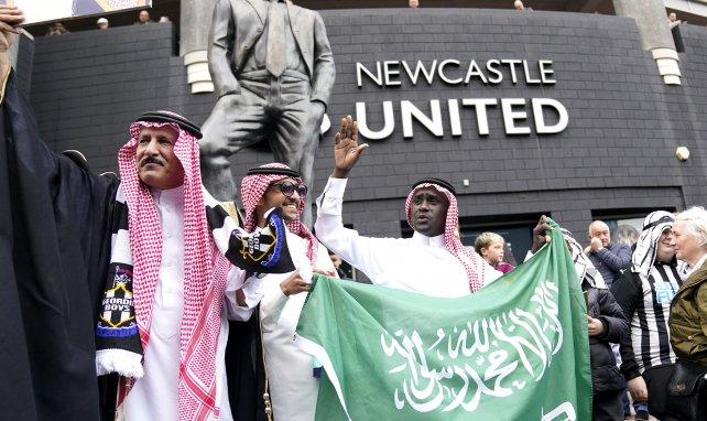 Newcastle demande à ses fans d'arrêter de porter des vêtements traditionnels arabes